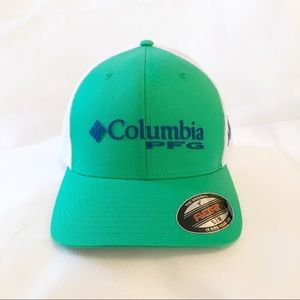 Columbia green and white hat small/medium NWT